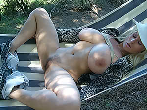 Spreading in a hammock