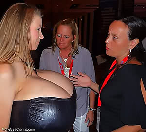 Chelsea Charms & An Onlooker with a Priceless Reaction