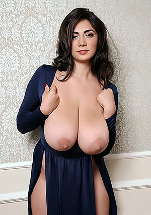 Huge Hangin' Boobs