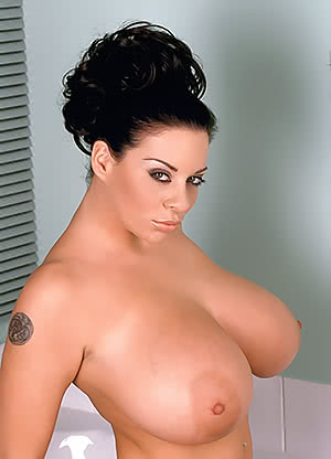Linsey Dawn Mckenzie prepared for a shower